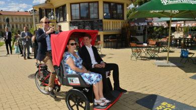 Photo of Nadační fond ŠKODA AUTO podpořil dobrovolnický projekt  Na kole v každém věku